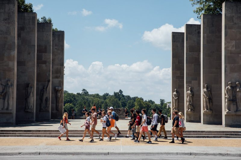 New and potential students touring Virginia Tech's campus